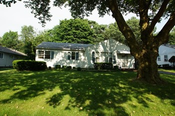 94 Brookview Drive 3 Beds House for Rent Photo Gallery 1
