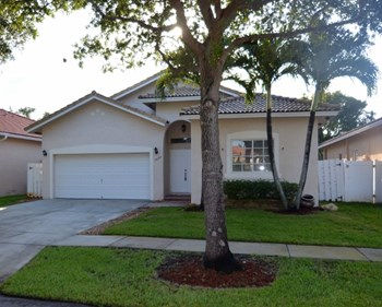 3097 Sw 140th Avenue 3 Beds House for Rent Photo Gallery 1
