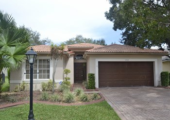 5760 Nw 48th Drive 3 Beds House for Rent Photo Gallery 1