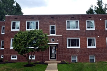 219 E Willow Grove 1-2 Beds Apartment for Rent Photo Gallery 1