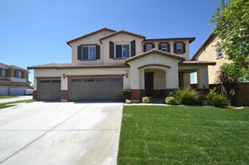 40104 Oregold Court 4 Beds House for Rent Photo Gallery 1