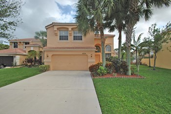 6334 Stonehurst Circle 4 Beds House for Rent Photo Gallery 1