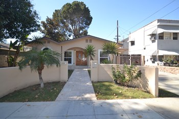 1335 N Keystone Street 3 Beds House for Rent Photo Gallery 1