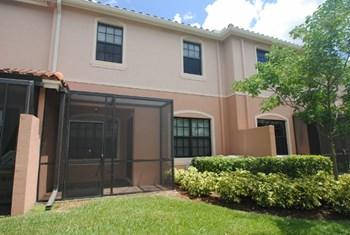 10892 Nw 72nd Place 3 Beds House for Rent Photo Gallery 1