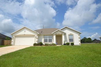 1426 W Summit Oaks Dr 3 Beds House for Rent Photo Gallery 1