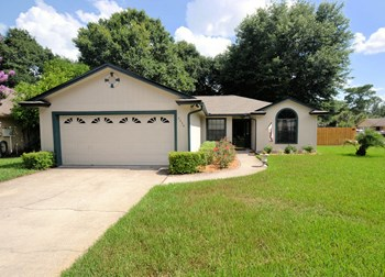 7534 Fawn Lake Dr N 3 Beds House for Rent Photo Gallery 1
