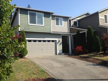 7349 176th Ct E 3 Beds House for Rent Photo Gallery 1