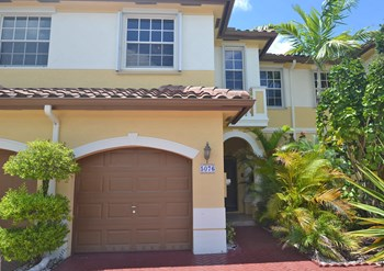 5076 Sw 141st Avenue 3 Beds House for Rent Photo Gallery 1