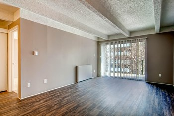 1412 Steele Street 1-2 Beds Apartment for Rent Photo Gallery 1