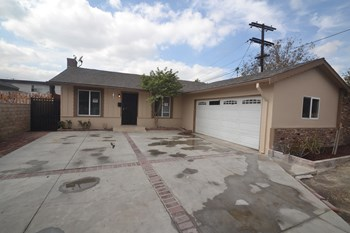 6819 Bellaire Avenue 4 Beds House for Rent Photo Gallery 1