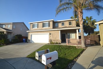 3749 Catamaran Ct 4 Beds House for Rent Photo Gallery 1