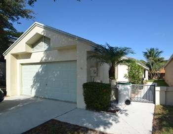 3431 NW 22nd Place 2 Beds House for Rent Photo Gallery 1