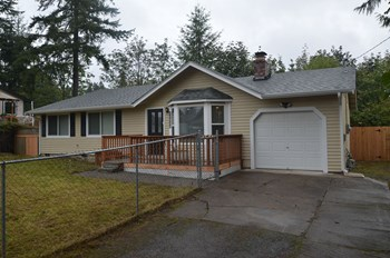 26036 221 Place Se 4 Beds House for Rent Photo Gallery 1