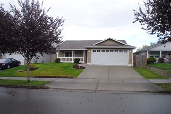 6408 107th Pl Ne 3 Beds House for Rent Photo Gallery 1