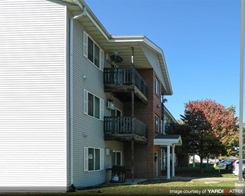530 East Kenyon Avenue 1-2 Beds Apartment for Rent Photo Gallery 1