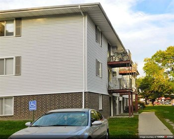 1300 E Watrous 1-2 Beds Apartment for Rent Photo Gallery 1