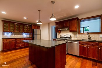314 Varick Street 4 Beds House for Rent Photo Gallery 1