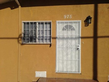 975 E 51st St 2 Beds House for Rent Photo Gallery 1