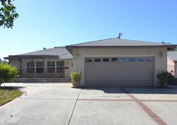 7027 Lurline Ave 4 Beds House for Rent Photo Gallery 1