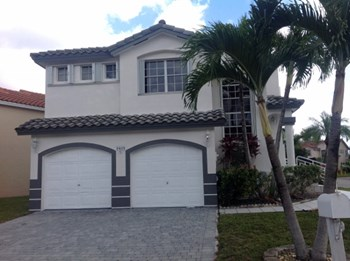 5035 Sw 154 Court 4 Beds House for Rent Photo Gallery 1