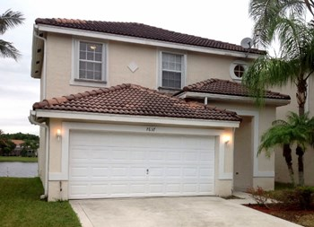 7637 Springfield Lake Drive 3 Beds House for Rent Photo Gallery 1