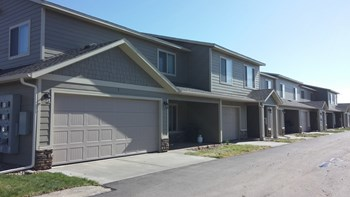 4003 S. Grand Slam Place 1-3 Beds Townhouse for Rent Photo Gallery 1