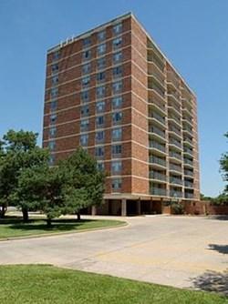 eaglerock village apartments 7627 e 37th street n