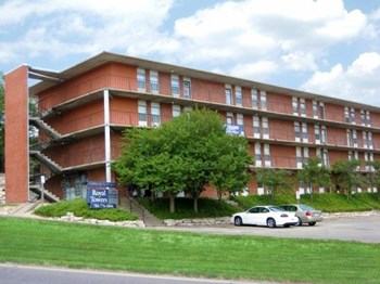 1700 N. Manhattan Ave 1-4 Beds Apartment for Rent Photo Gallery 1