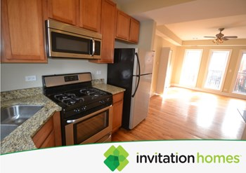 1642 W Greenleaf St # 2n 2 Beds Condo for Rent Photo Gallery 1