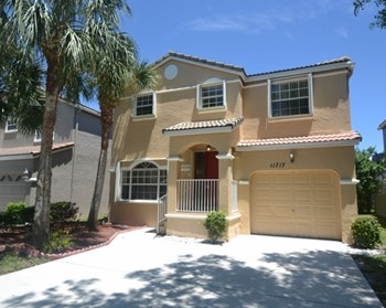 11717 Nw 1 Court 3 Beds House for Rent Photo Gallery 1