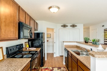437 Sunburst Drive 2-3 Beds Apartment for Rent Photo Gallery 1
