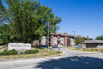 3901 Woodland Ave. 1-2 Beds Apartment for Rent Photo Gallery 1