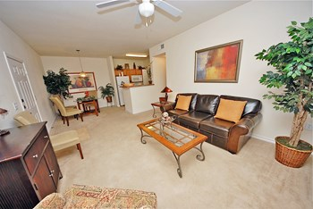 16701 N. Heatherwilde Blvd. 2-4 Beds Apartment for Rent Photo Gallery 1