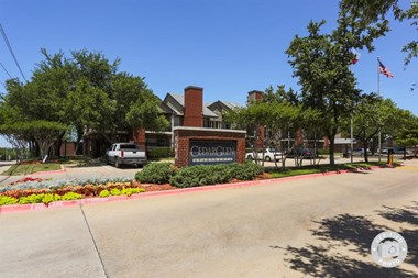 6363 W. Camp Wisdom Road 1-2 Beds Apartment for Rent Photo Gallery 1