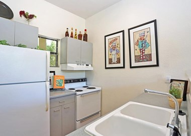 6500 Hulen Bend Boulevard Studio-2 Beds Apartment for Rent Photo Gallery 1