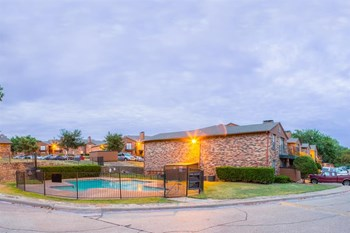933 West Cartwright Road 1-2 Beds Apartment for Rent Photo Gallery 1