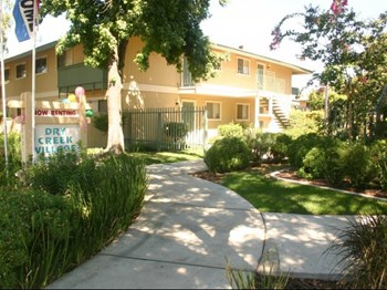2521 Miller Avenue 1-2 Beds Apartment for Rent Photo Gallery 1
