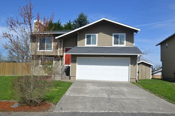 5069 NE 37th St 4 Beds House for Rent Photo Gallery 1