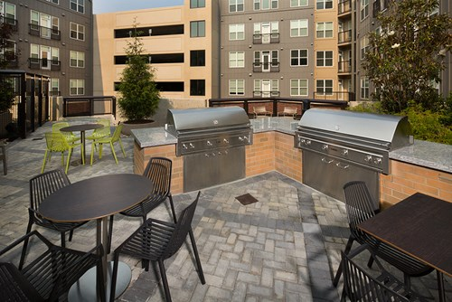 GATHER, Courtyard with grilling stations