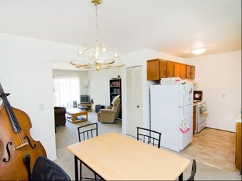 1028 Chester Rd. 1-2 Beds Apartment for Rent Photo Gallery 1