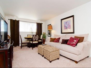 3019 Woodruff Ave 1-2 Beds Apartment for Rent Photo Gallery 1