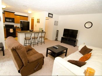 208 W. Saginaw St. Studio-2 Beds House for Rent Photo Gallery 1