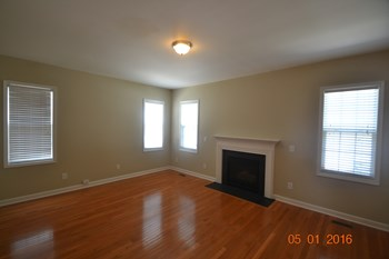 232 Butterbiggins Ln 3 Beds House for Rent Photo Gallery 1
