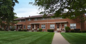 21629 Stratford Court 2 3 Beds Apartment For Rent Photo Gallery 1