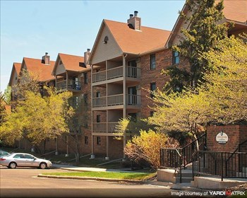 3475 GOLFVIEW DR 1-3 Beds Apartment for Rent Photo Gallery 1