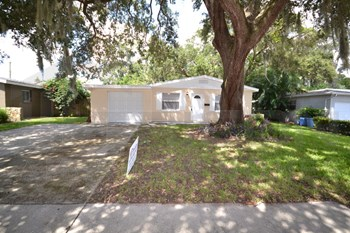 5551 82nd Avenue N, Pinellas Park, FL 33781 3 Beds House for Rent Photo Gallery 1