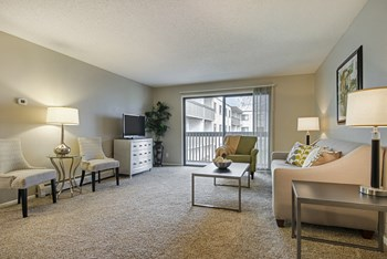 17600 14th Avenue North 1-2 Beds Apartment for Rent Photo Gallery 1