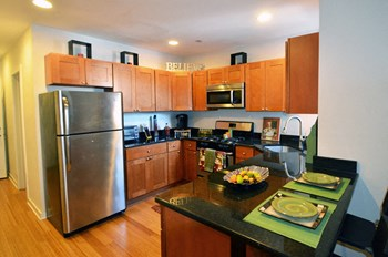 1614 Christian Street 1-3 Beds Apartment for Rent Photo Gallery 1