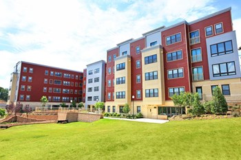 2632 Martin Luther King Jr. Avenue SE 1-3 Beds Apartment for Rent Photo Gallery 1