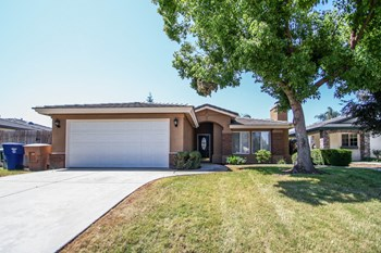 10211 Arapaho Ave 4 Beds Apartment for Rent Photo Gallery 1
